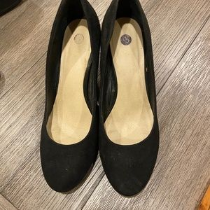 Dress Barn Black Suede Pumps
